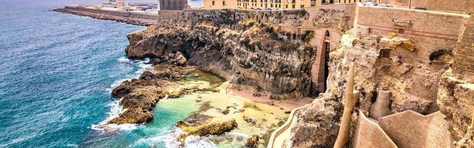 city-walls–lighthouse-and-harbor-in-melilla–925721132-d5365e5eb9964e8daa16e4c414277d8e